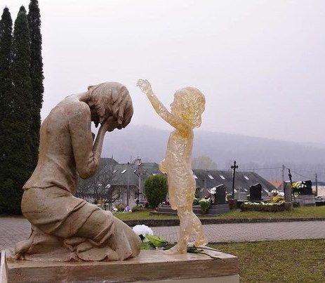 История про старое кладбище или малыш с того света
