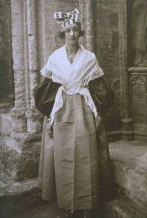 Жанна Луиза в молодости