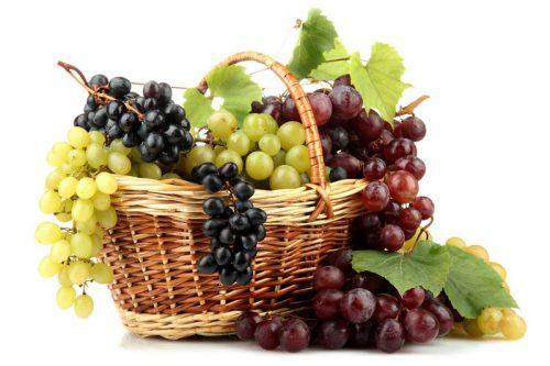 Чем опасен виноград