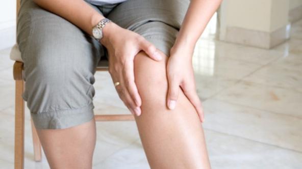 Отекают ноги: причины и лечение