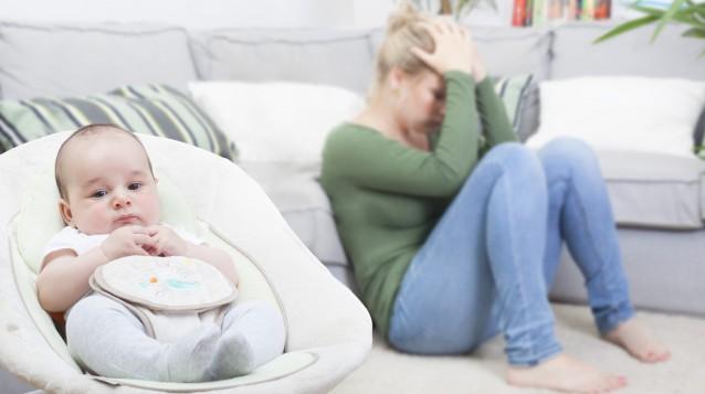 Послеродовая депрессия: симптомы и лечение болезни