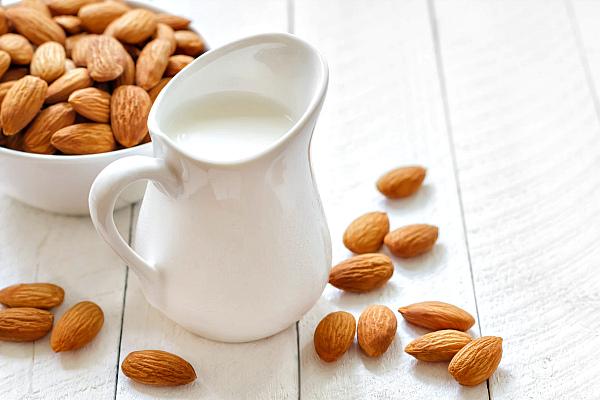 Миндальный орех: польза и вред для организма