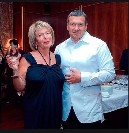 Владимир Соловье с мамой