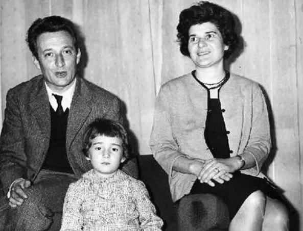 Джанни Родари с женой и дочерью