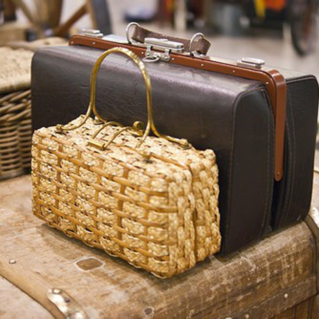 плетеная дамская сумочка