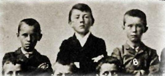 Адольф Гитлер: краткая биография